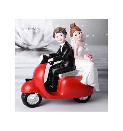 Sposi su vespa rossa